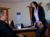 Vidéo porno mobile : Dick Tomass négocie avec sa banquière